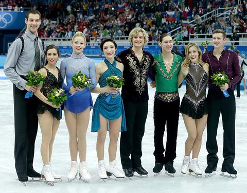 Bronze medalists Simon Shnapir, Maria Castelli, Gracie Gold, Meryl Davis, Charlie White, Jason Brown, Ashley Wagner and Jeremy Abbott -- Team Free Dance