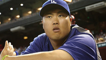 Dodgers Pitcher Hyun-Jin Ryu -- Donates $100K to South Korea Ferry Rescue Aid