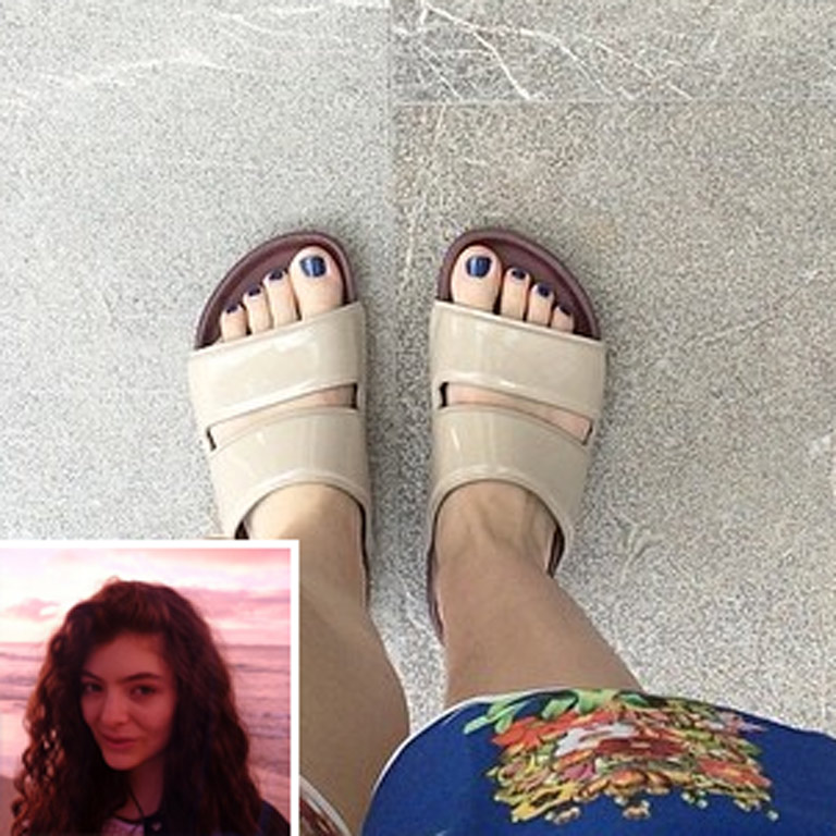lorde feet