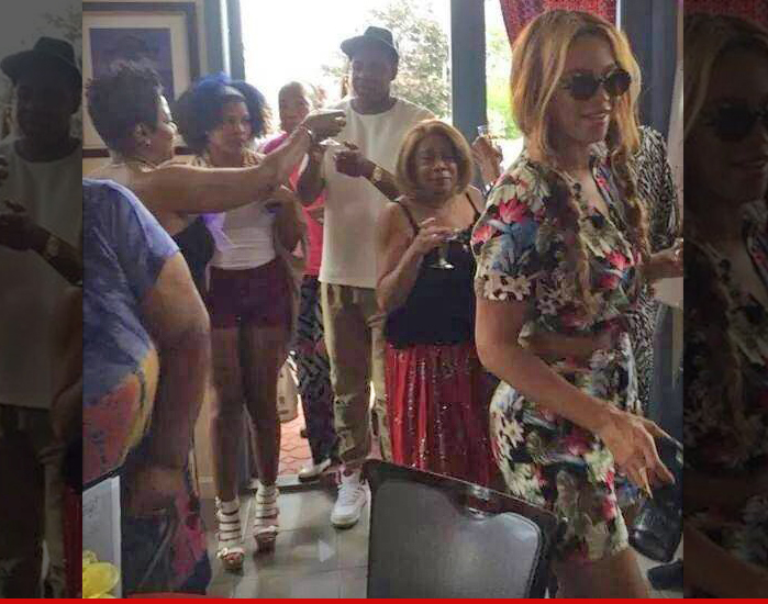 Jay Z & Beyonce Still Together ... Not Just For The Cameras, But For Family