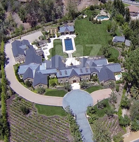 <span>Kim Kardashian</span><span>and</span><span>Kanye West</span><span>are buying a baller estate for mega-millions ... TMZ has learned.</span><br /><span><br />Kim and Kanye are in escrow for a 3 1/2 acre estate in Hidden Hills ... 5 minutes from</span><span>Kris Jenner</span><span>'s house in Calabasas where they're currently living.</span>