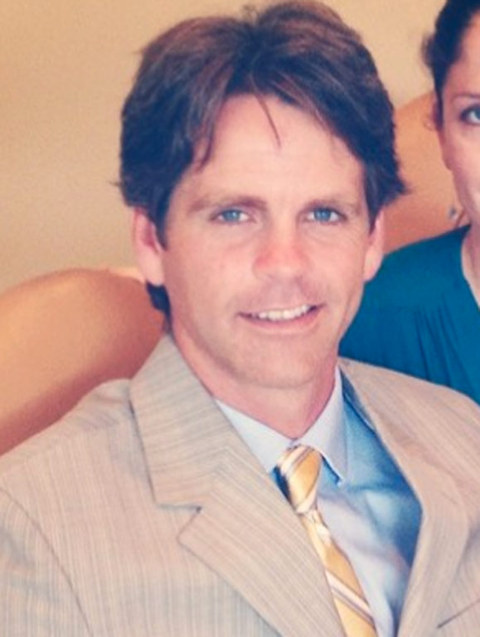Shane McDermott, a now real estate agent -- resurfaced online looking bodacious!