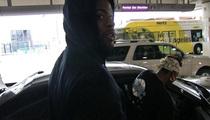NBA'er Reggie Bullock -- Mom Gets V.I.P. Treatment ... In Awesome Video