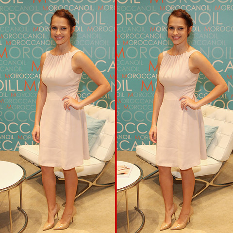 Can you spot the THREE differences in the Teresa Palmer photos?
