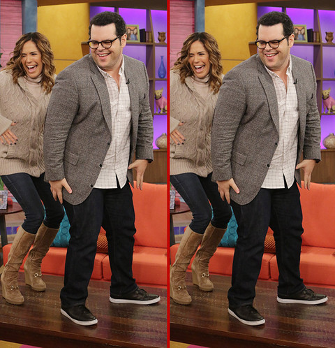 Can you spot the THREE differences in the Josh Gad photos?