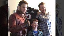 Chris Pratt -- PAYS UP SUPER BOWL BET ... Hey Kids, It's Star-Lord!