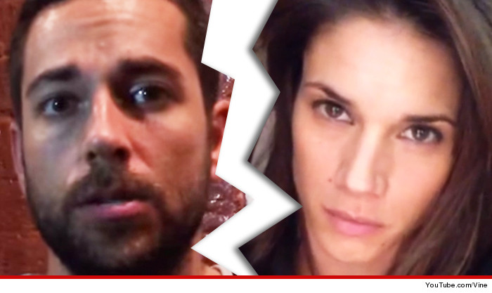 When did missy peregrym and zachary levi start dating sorry