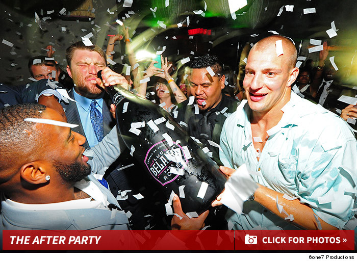 f633e715f98 New England Pats -- Champagne Chuggin  After-party ... Brady Out ...
