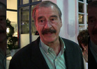 Vicente Fox -- Donald Trump Es Un Idiota! (VIDEO)