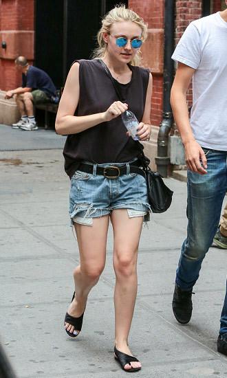 Dakota Fanning's cutting edge style!