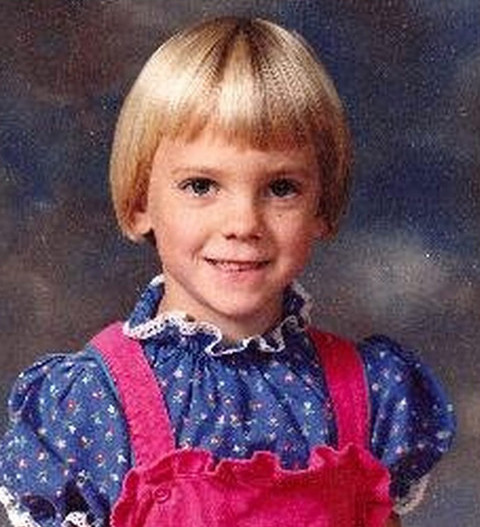 Before this perfectly trimmed little girl had grown into a hilarious Hollywood actress she was just another sweet kid with an incredible haircut growing up in Baltimore, Maryland.