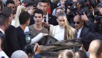 Gigi Hadid and Joe Jonas -- Stuck in the Middle of Paris with You (VIDEO)