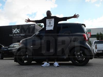 Chad Johnson -- Environmentally Safe Swag ... Drops 25k To Pimp Smart Car