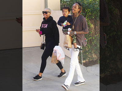 Wiz Khalifa & Amber Rose -- Our Relationship Is a Walk in the Park (PHOTO)