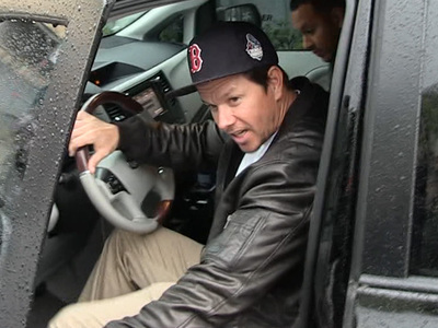 Mark Wahlberg -- I Love Tom Brady ... But He Should Stay Outta Politics!! (VIDEO)