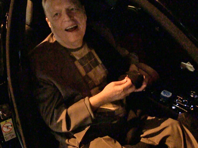 Larry Flynt -- Passes on Playboy Mansion ... Takes Grave Jab at Hef (VIDEO)