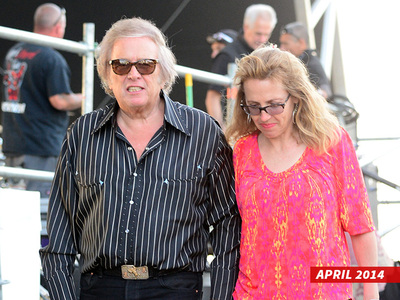 Don McLean -- Wife Says He Went Helter Skelter On Me