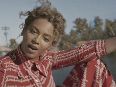 Beyonce -- Drops Surprise Video ... Featuring Blue Ivy!!!