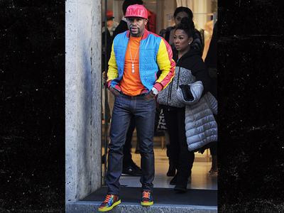 Floyd Mayweather -- Flosses $3 Million Diamonds in Milan (PHOTO)
