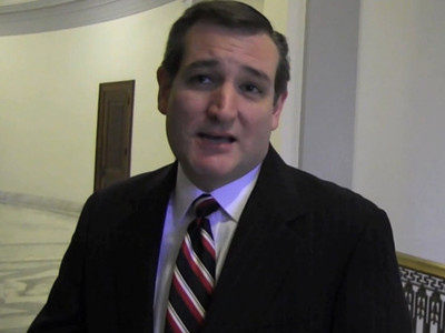 Ted Cruz -- Gives Hope to Univ. of Phoenix Grads -- You Too Can Be President (VIDEO)