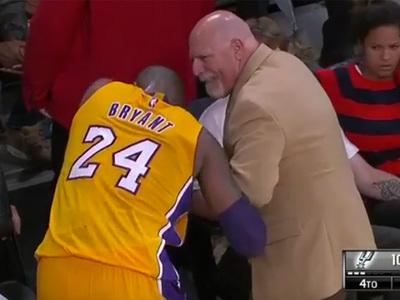 Kobe Bryant -- Pop Goes My Finger ... Dislocates Digit Mid-Game (VIDEO)