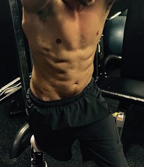 Guess whose fit physique!