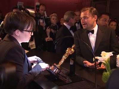 Leonardo DiCaprio -- So This Is How You Engrave an Oscar (VIDEO)