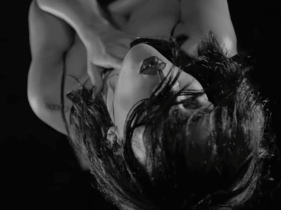 "8 NSFW Gifs from Rihanna's New ""Kiss it Better"" Music Video"