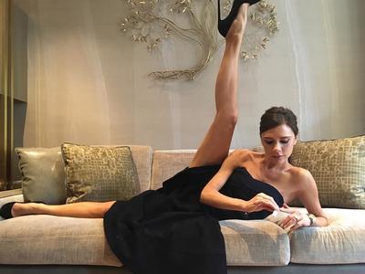 Victoria Beckham -- Stretch It Like Beckham (PHOTO)