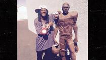 Flavor Flav -- Do I Own the Real O.J. Statue? Yeaaaaahhh BOYYYYYYY!!!