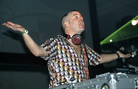 2001: Fatboy Slim performs
