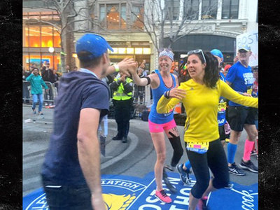 Adrianne Haslet -- FINISHES BOSTON MARATHON ... 3 Years After Losing Leg In Bombing