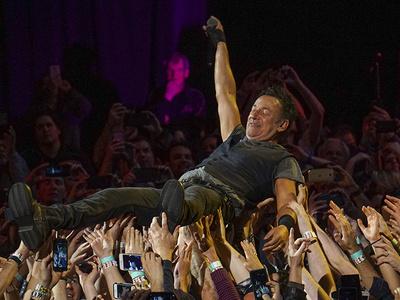 Bruce Springsteen -- Born to Surf (PHOTOS)