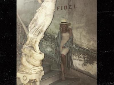 Khloe Kardashian -- Rolling With Cuba's Finest (PHOTOS)