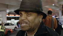 Joe Jackson -- Hospitalized with Family By His Side (VIDEO)