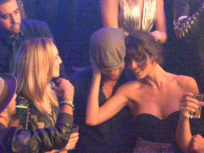 Leonardo Dicaprio -- Brunettes? I'll Do Them Too (PHOTOS)