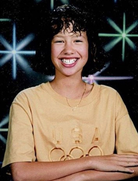 Before curly haired cutie was making a name for herself in Hollywood , she was just another cheesin' gal posing for school pictures in Philadelphia, Pennsylvania.