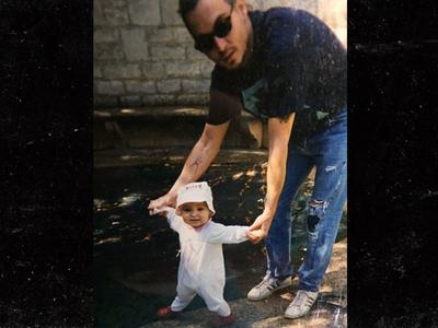 Johnny Depp -- Daughter Throws Shade on Amber Heard