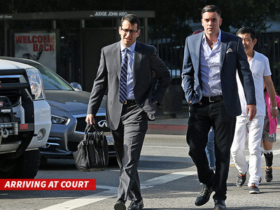 Mark Salling -- Surrenders for Child Porn Charges (PHOTO)