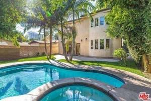 Marlon Wayans' Sherman Oaks Home -- $OLD!