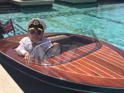 Verne Troyer -- I'm a Tiny Seaman! (VIDEO)