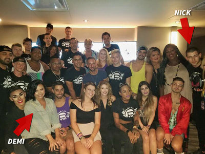 Demi Lovato & Nick Jonas -- Orlando's Pulse Staff Gets VIP Treatment (PHOTO)