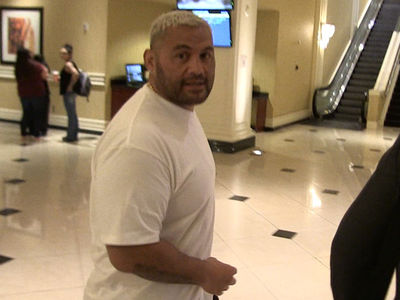 UFC's Mark Hunt -- I'm Kicking Lesnar's Ass Back To WWE ... And NOT Watching WrestleMania (VIDEO)