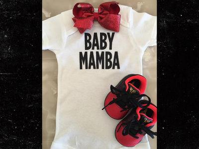 Kobe Bryant -- FOR THREEEEEEE ... Vanessa Preggo With 3rd Kid