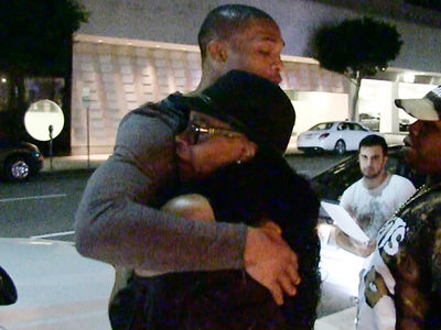 Russell Westbrook -- $85 MILLION Turn Up ... Dinner with Mom (VIDEO)