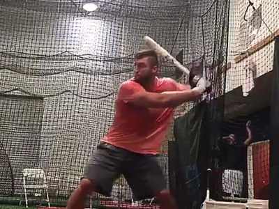 Tim Tebow -- Swingin' For the Fences (VIDEO)