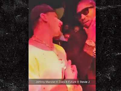 Johnny Manziel -- Clubbin' with Future ... Is That Champagne??? (VIDEOS & PHOTO)