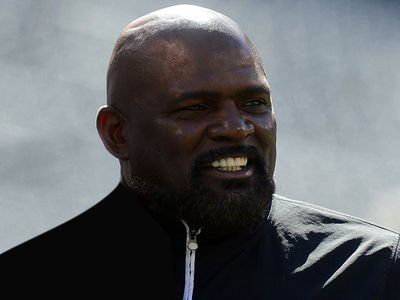 Lawrence Taylor -- Hall of Fame Timing in DUI Arrest