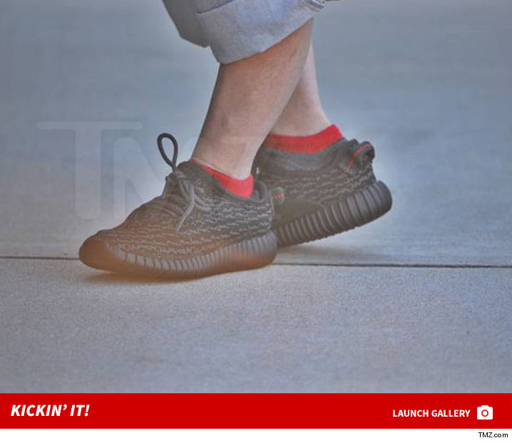 c925c805d76 Guess The Little Guy Rockin  Baby Yeezys