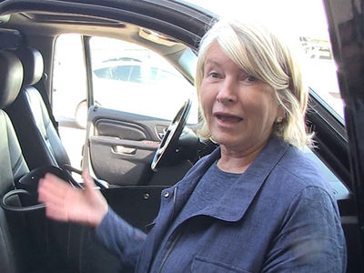 Martha Stewart -- I'll Eat Edibles ... In the Name of Science (VIDEO)